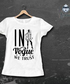 дамска тениска с надпис in vogue we trust